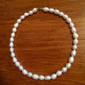 Freshwater Pearl Necklace - lobster clasp